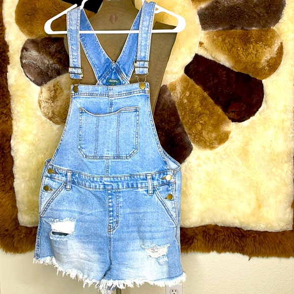 Wild fable cut off short overalls